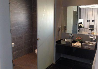 drzwi szklane łazienka