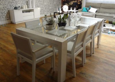 dining table 647008 1920 400x284
