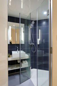 szklane kabiny prysznicowe bez brodzika 1 200x300
