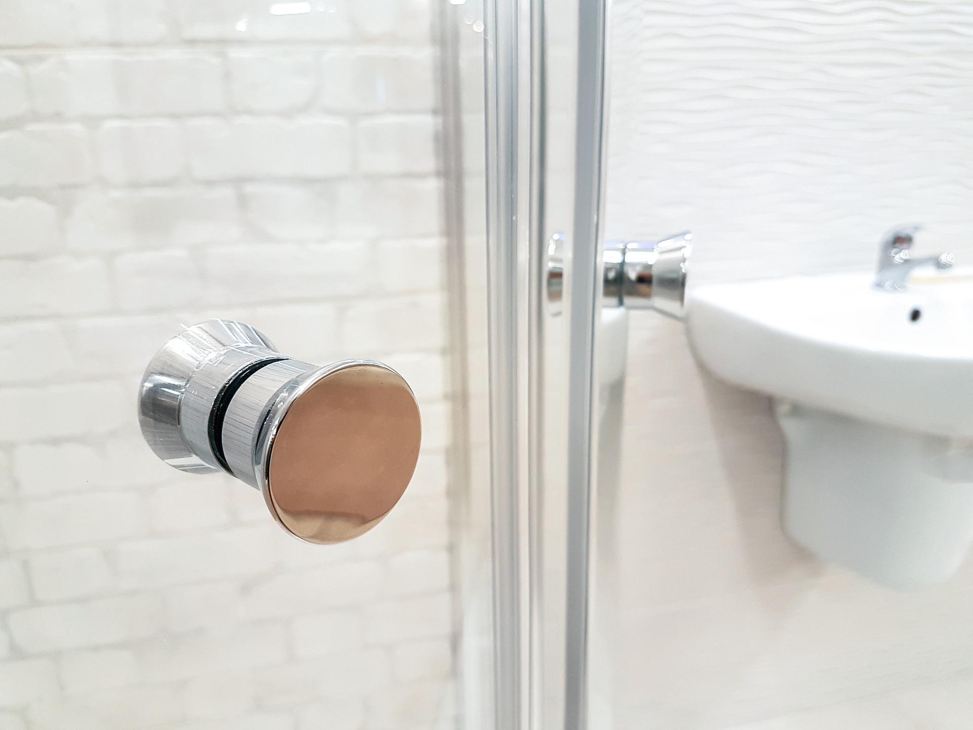 Szkło typu Optiwhite do kabiny prysznicowej