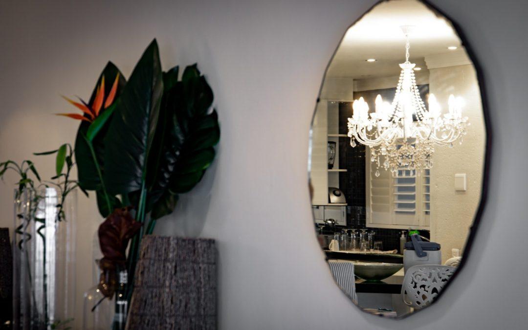 Idealne lustro do twojego mieszkania – 6 pomysłów na lustrzane dekoracje