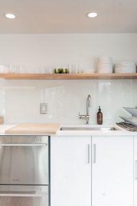 Co sprawdzi się lepiej w naszym domu szkło hartowane czy lacobel?