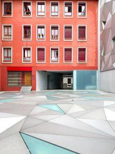 Pomysły na zastosowanie szklanej podłogi w mieszkaniu i domu