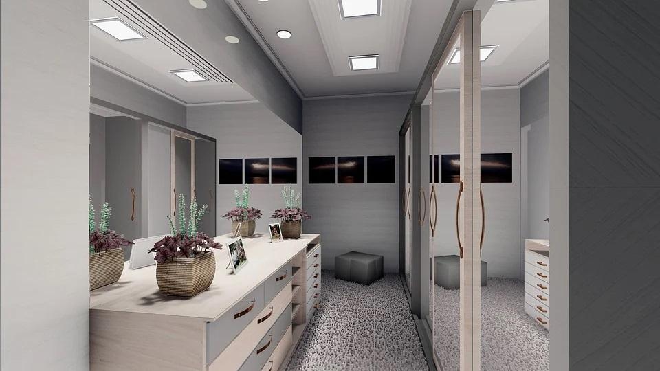 Szafa ze szklanymi drzwiami do sypialni – dowiedz się, na co zwrócić uwagę przy zamawianiu mebla